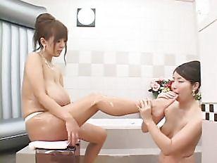 hitomi tanaka lesbische
