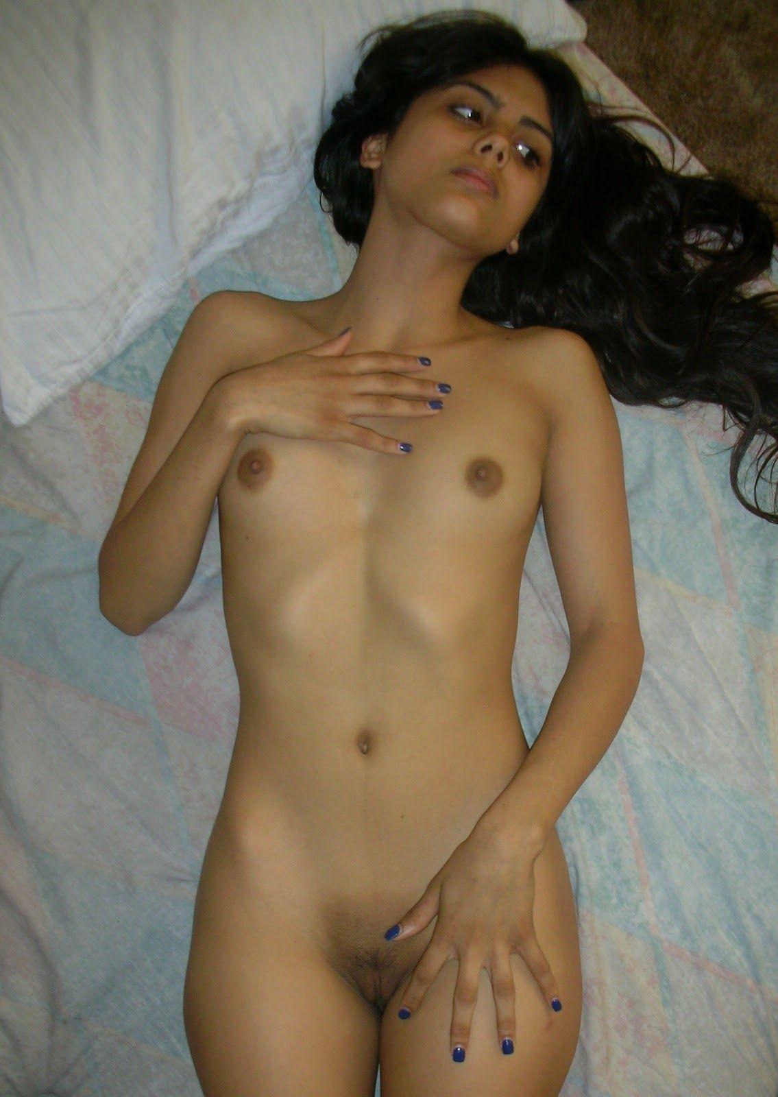 Nude pics lacey chabert