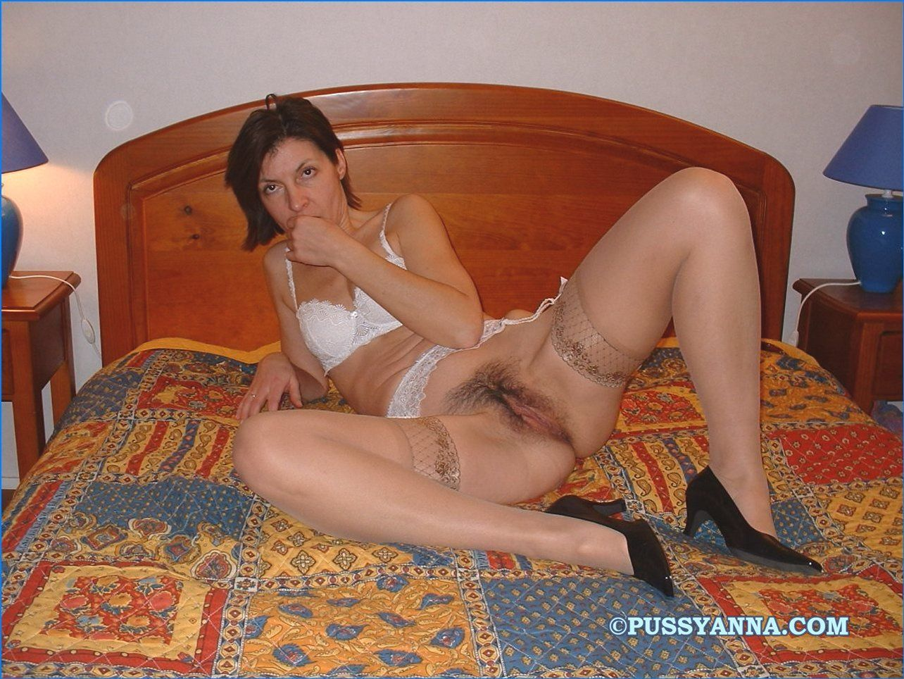 Sexy mom nude