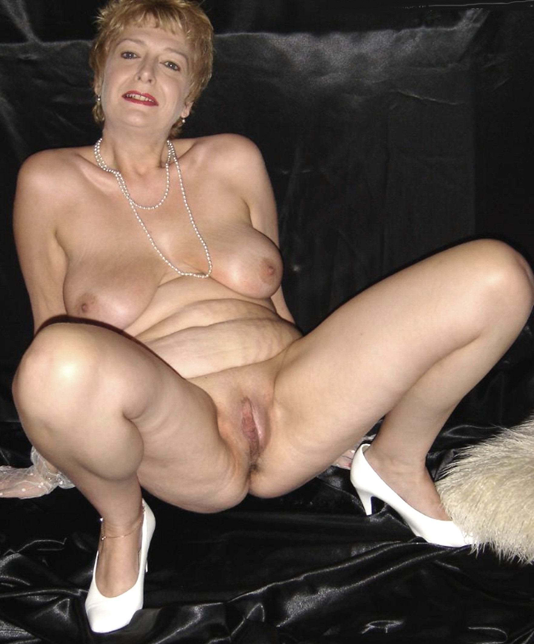 Dakota reccomend old nudes