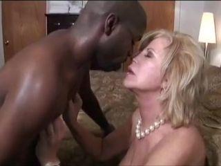 Busty chubby mom fuck video movie