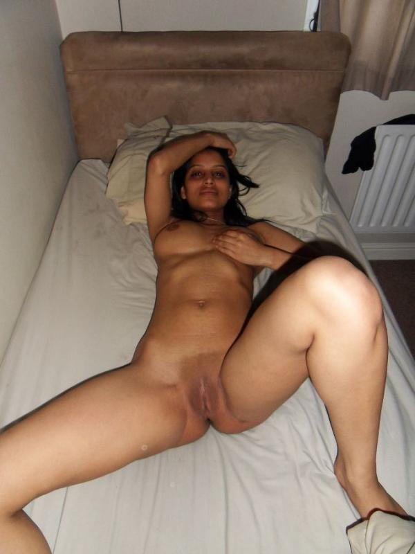 Nude young indian girls in hotel
