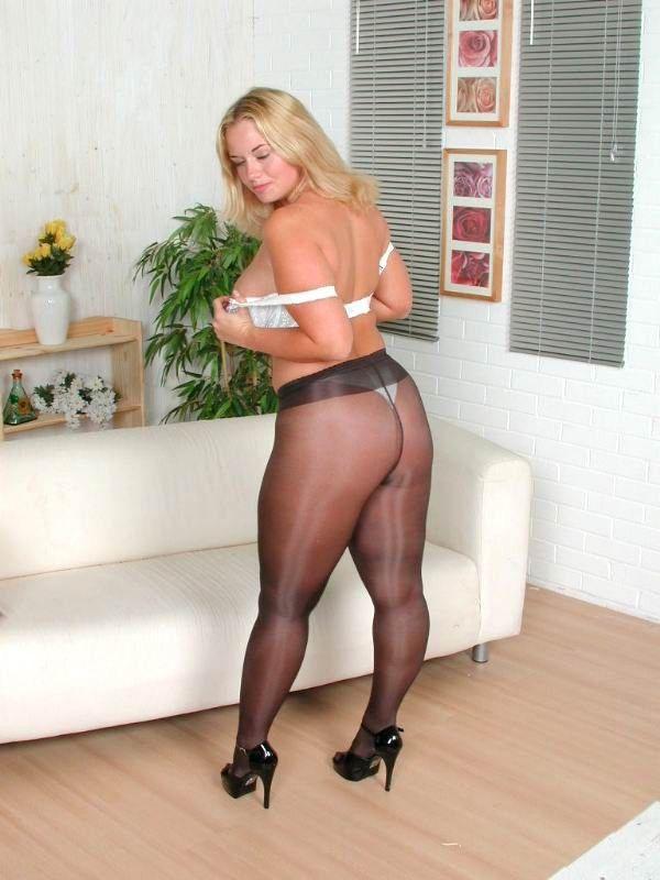 Little blonde girls nude