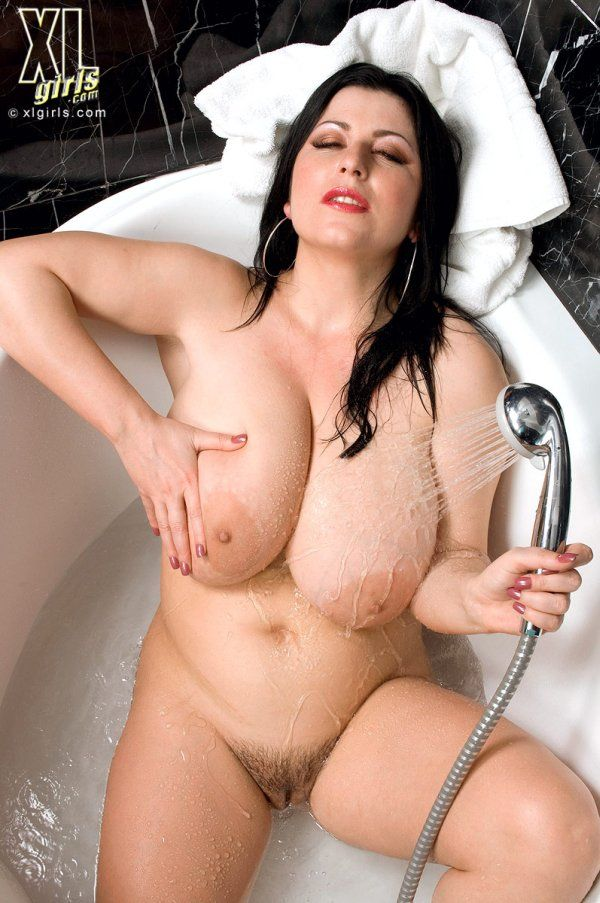 Big tit female bodybuilder porn