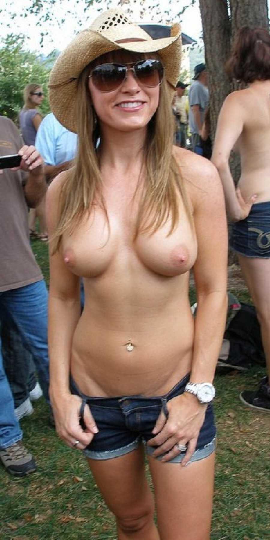 College girls nude