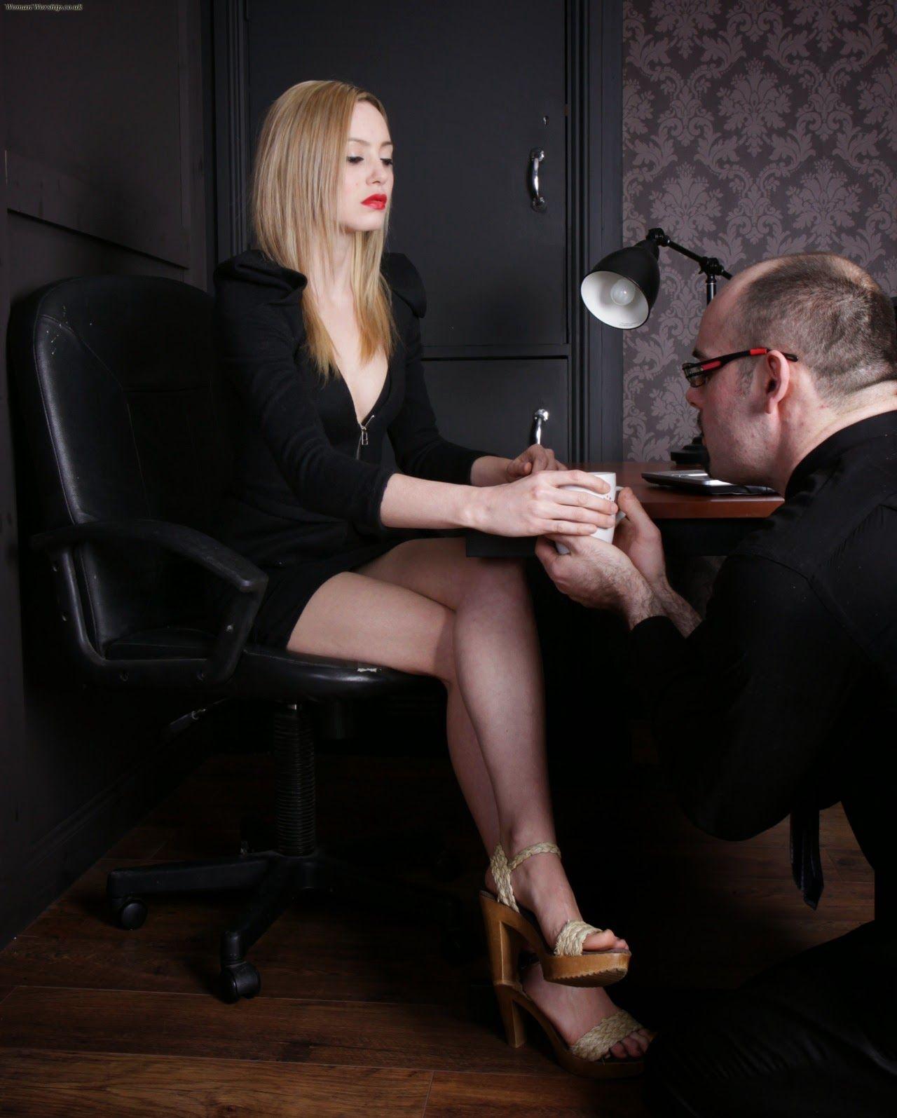 Agent 9. reccomend Femdom woman blog