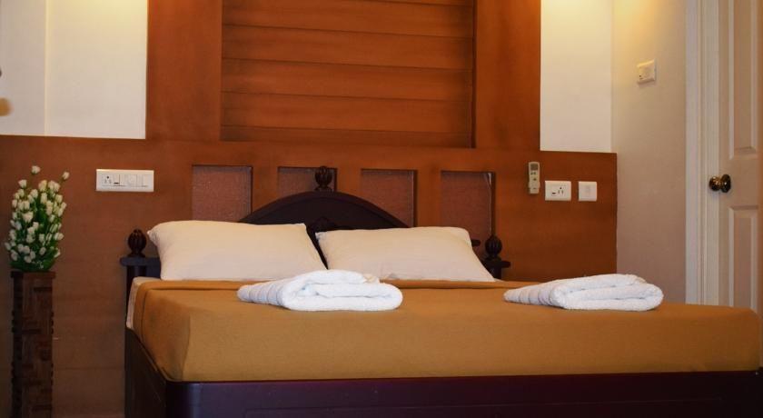 Golden showers bedsheet