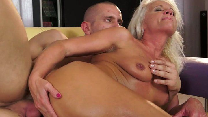 AMATEUR EURO - German Mature Wife Loves To Have Sex During Her Afternoon Break