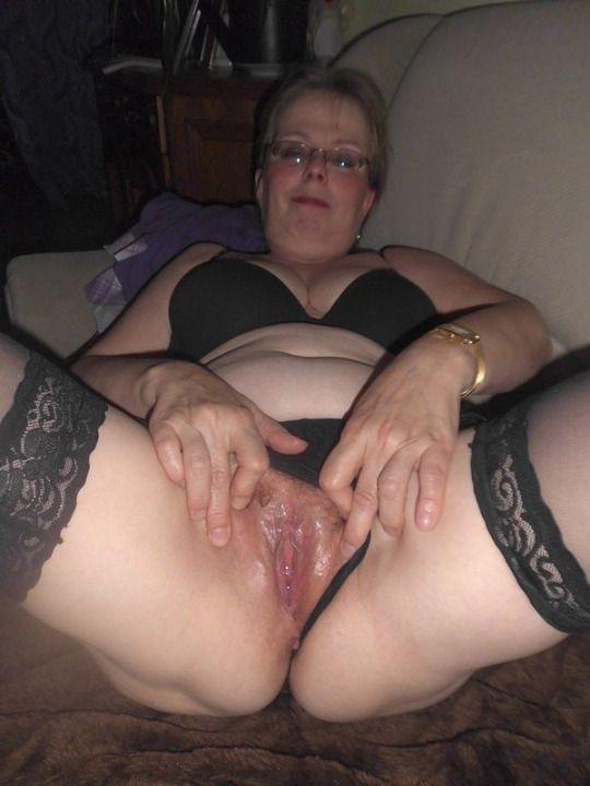 Juicy older wife pussy movie erotic pics