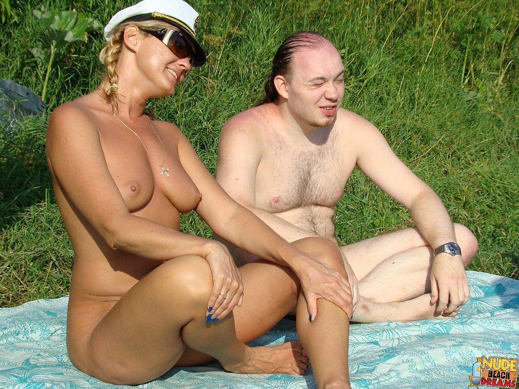 Beach Girl Sex nudist beach sex gir - xxx pics. comments: 1