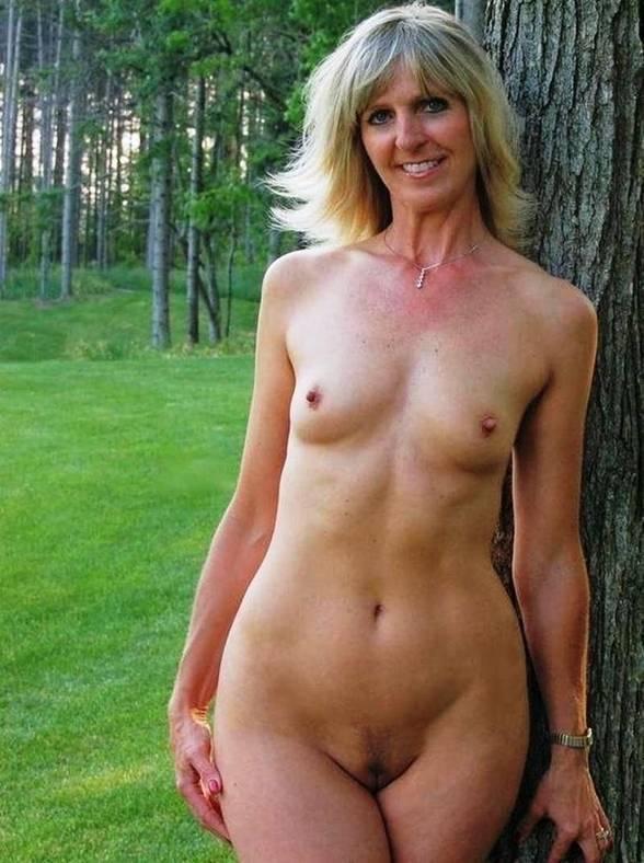 Sex having ordinary women Strip: 38,811