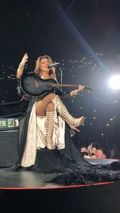 Singers upskirt on stage no panties