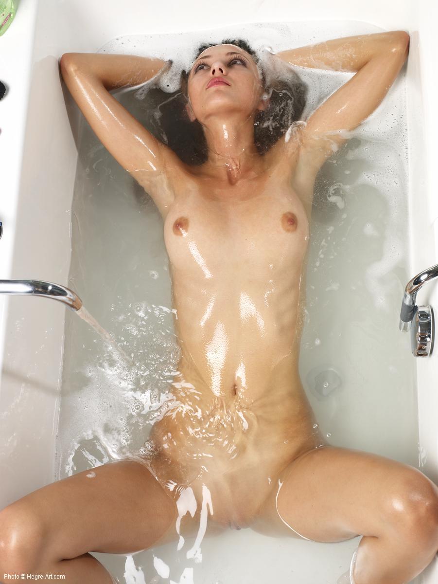 Oiled nude girl selfie